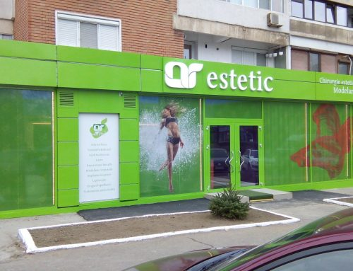 Branding AR ESTETIC, litere volumetrice plexiglass iluminate LED si windowgraphic imprimat